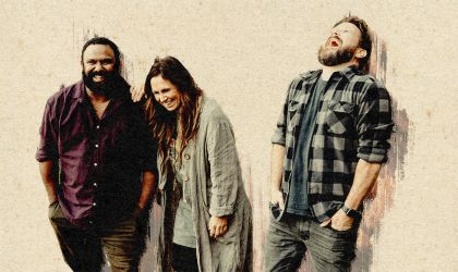Cover image for 'Behind the Barricades with Kasey Chambers & Busby Marou'