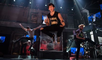 Cover image for 'Green Day's American Idiot'