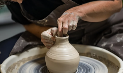 Cover image for 'Pottery: Beyond the Bowl'
