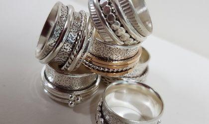 Cover image for 'Spinner Ring - September'